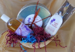 Soothing Set Basket (1 Hunam Shower Gel, 1 Herbal Tea Bath, 1 Shea Moisturizer, 50 Sticks Incense)